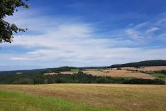 Blick-vom-Gleichen-aufs-Heinzenberger-Feld
